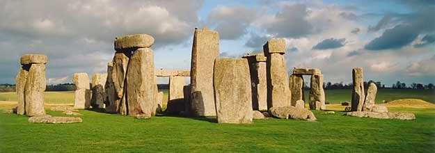 Stonehenge - by Frédéric Vincent (Wikimedia project)